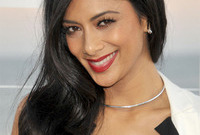 Nicole-scherzingers-demure-hair-and-makeup-side
